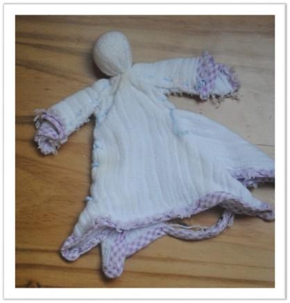 Boneca feita com lenço